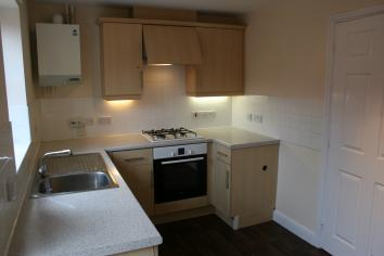 2 Bedrooms Semi Detached House,