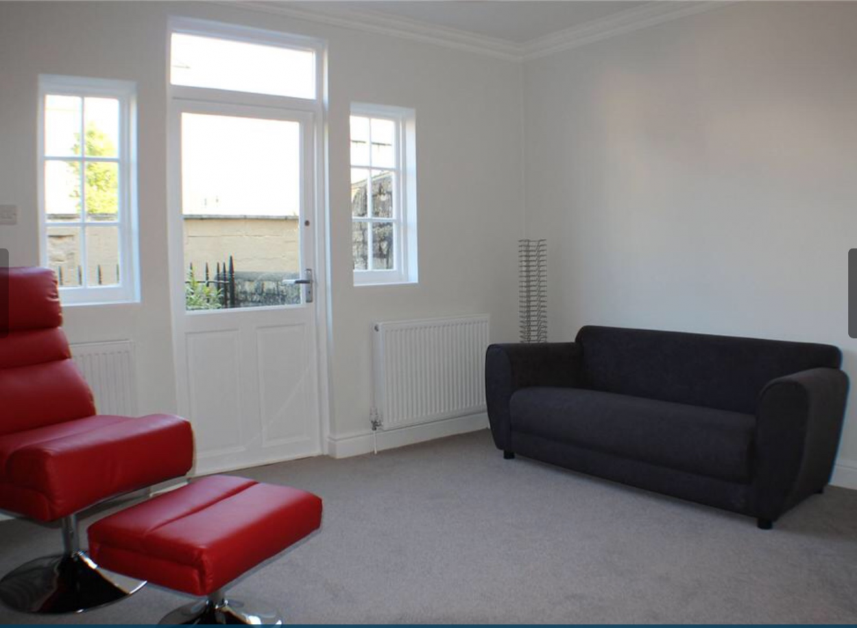 Frontend view in 3 Bedrooms End Terrace House,