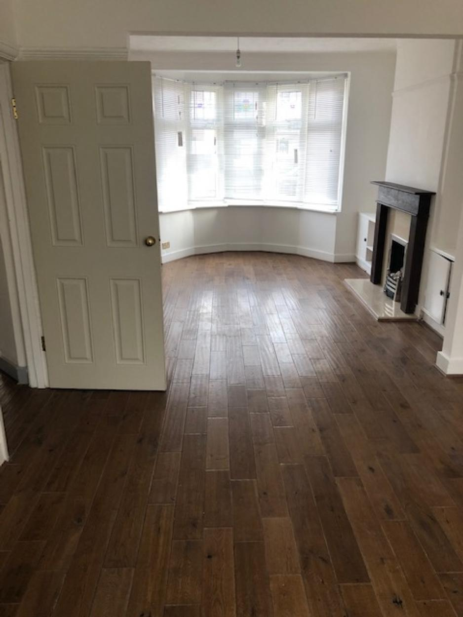 3 Bedrooms End Terrace House,