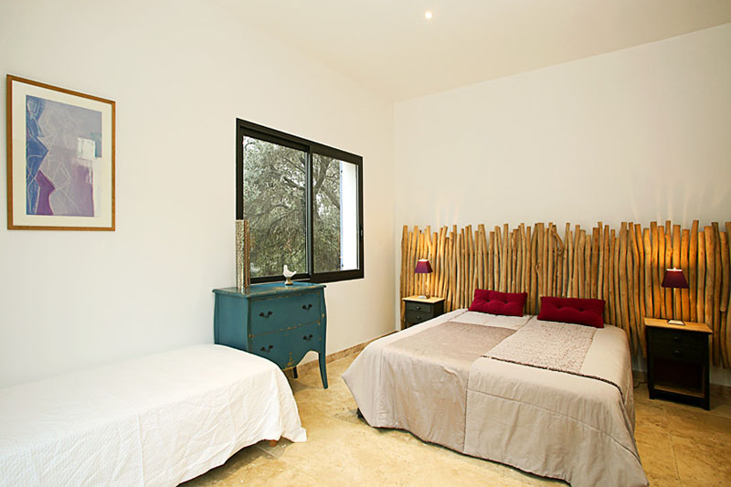 3 BEDROOM HOUSE,KINGS ROAD,CHELSEA,SW3