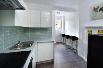 1 Flat at 1  tonbridge st