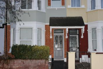 6 Mid Terrace House at